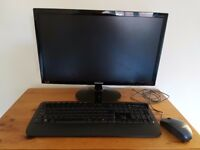 "Samsung 21.5"" Full HD LED Monitor S22D300 with keyboard & mouse"
