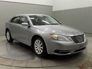 2013 Chrysler 200 TOURING A/C MAGS TOIT OUVRANT West Island Greater Montréal image 3
