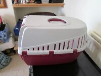 CAT/SMALL DOG CARRIER IN EXCELLENT CONDITION, COLLECT LONDON NW1