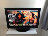 LG 32 Inch TV with Stand and Remote - Excellent condition - 32LH3000 HD 1080p