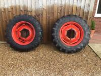 Pair of tractor tyres and rims 13.9 x28