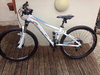 Mongoose 2015 Salvo Comp Mountain Bike - Small - White - used once - £350