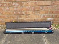 3 piece Pool & snooker cue both screw on to the base with black case