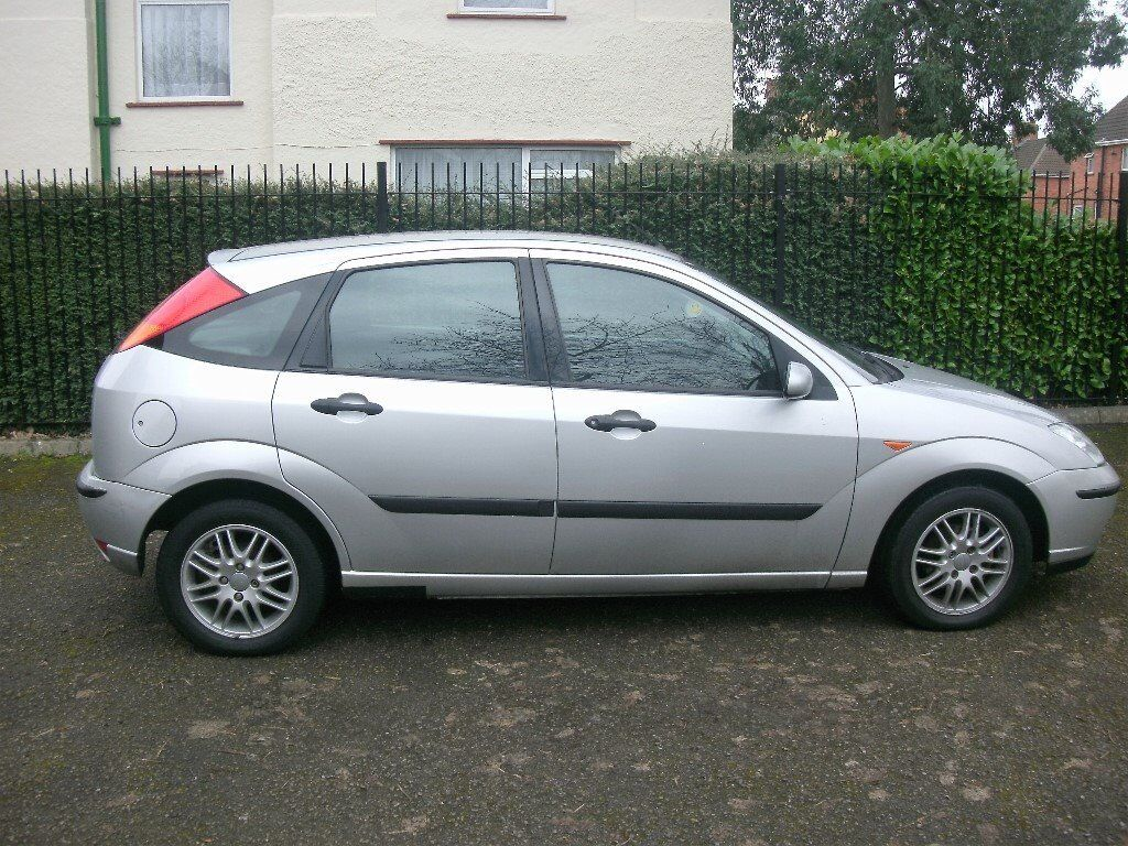 ford focus 2002 1 8 16v 5 door hatch silver 82k new mot. Black Bedroom Furniture Sets. Home Design Ideas
