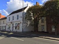 TO LET - First Floor Offices, East Street, Central FARNHAM