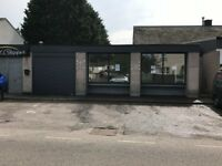 Commercial Premises, Shop, Showroom, Workshop, 1050sq ft approx, with Parking at door