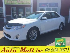 2014 Toyota Camry XLE/Leather/Sunroof