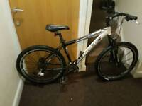 Trek series 6 mountain bike with fluid brakes