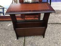 Attractive Vintage Mahogany Side Table / Magazine & Newspaper Rack Storage Shelf Stand