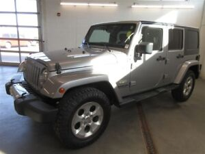 2015 Jeep WRANGLER UNLIMITED Sahara- 4x4! EXT WARRANTY! ALLOYS!