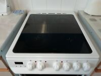 Zanussi Electric Oven with grill and 4 hobs