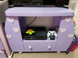 Lovely purple tv unit