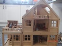 Must see - Beautiful Early Learning Centre Dolls house with furniture - Fantastic Xmas Present