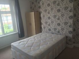 Large Double Room To Let BIlls Included