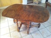 Solid Oak Gate Leg Table in excellent condition