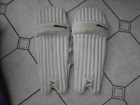 Adults/Large Youths Cricket Pads - Bargain Price
