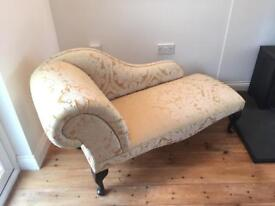 Chaise Longue in gold damask with Queen Anne legs
