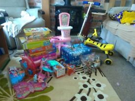 Job lot of toys and games carboot