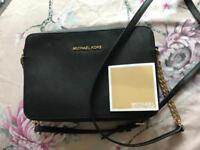 Michael kors jet set travel bag. cross body