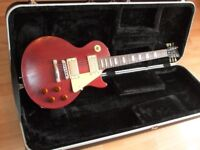 GIBSON LES PAUL and HARDCASE