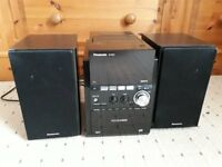 Panasonic CD Stereo System SC-PM53 with music port!