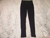 Womens small/medium chic black leggings with seam