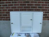 Bathroom wall cabinet great condition lots of storage