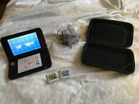 Nintendo 3DS XL (with charger, case and 2 games)