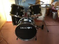 Dragon 5 piece drum kit with hi hats and stand