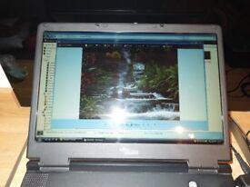 A Genuine Fujitsu Amilo Pro LI1705 Laptop Broken Down For Spares