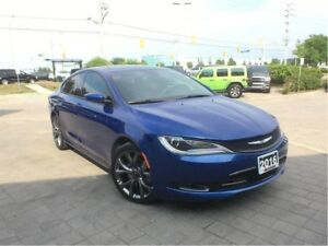 2016 Chrysler 200 S**PANORAMIC SUNROOF**NAVIGATION**
