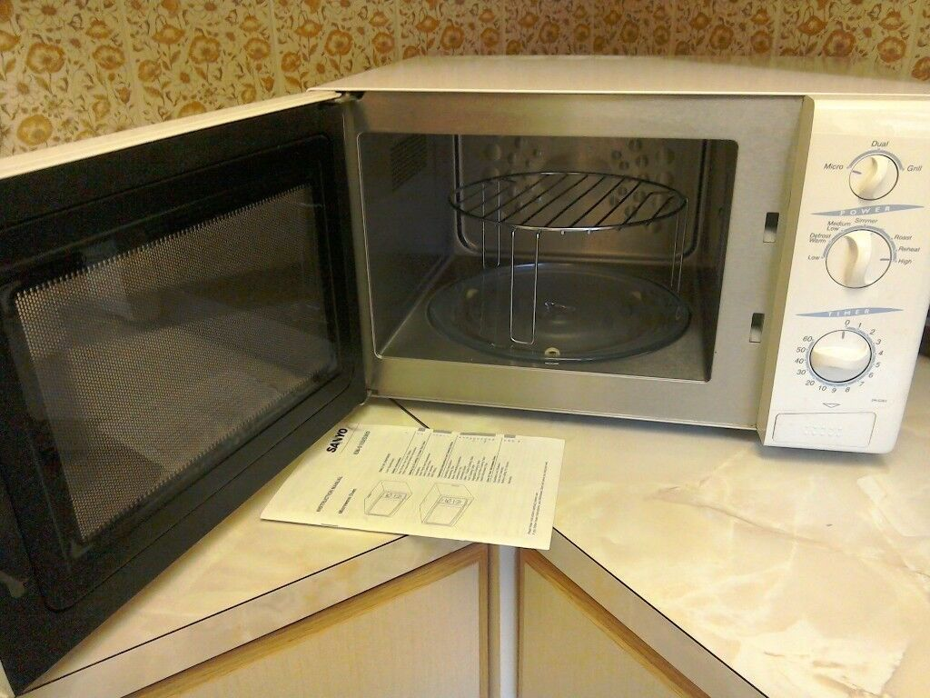 Sanyo Microwave With Grill 800w White In Windsor Berkshire Gumtree