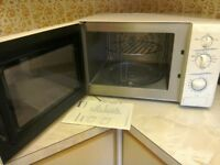 Sanyo Microwave with grill. 800W. White.