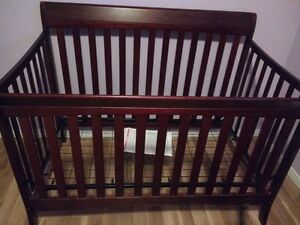 Good condition convertible crib