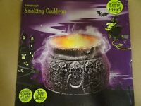 SMOKING CAULDRON EERIE EFFECT PARTY PIECE - SMOKING EFFECT FROM WATER - COLOUR CHANGING - IN BOX