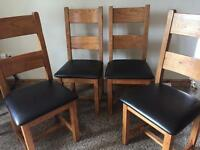 Set of 4 oak dining room chairs