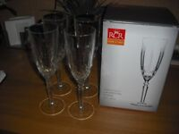 4 CRYSTAL FLUTES NEW IN THE BOX