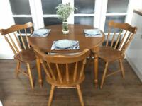 PINE TABLE AND 3 CHAIRS FREE DELIVERY LDN🇬🇧