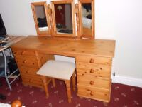 Pine solid wood dressing table set