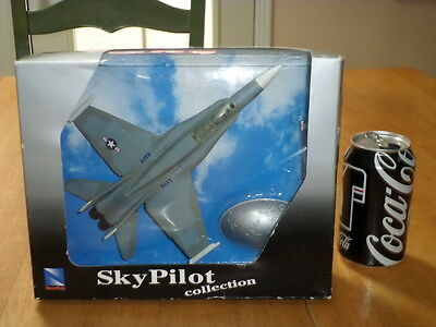 Hornet Fighter Plane - USA, F-18 HORNET, FIGHTER PLANE, NEW RAY TOYS - PLASTIC COLLECTIBLE, Scale 1:72