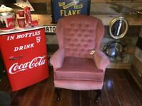 A GREAT LOOKING VINTAGE/ANTIQUE STYLE HIGHBACK / FIRESIDE ARMCHAIR PINK VELVET FREE LOCAL DELVERY