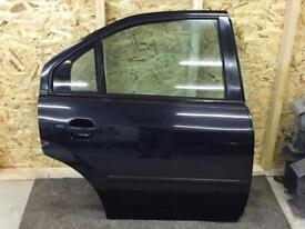 Ford Mondeo Mk3 Offside rear door in Panther black