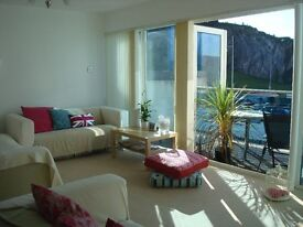 Luxury house with sea views l Double bedroom ensuite l Professionals Only l 3mins from city