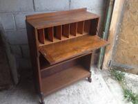 Bureau, hard wood compact dimensions