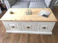 VINTAGE SOLID PINE TRUNK/chest/COFFEE TABLE FREE DELIVERY 🇬🇧