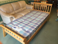 Wooden Frame Single Bed with Wooden Slats