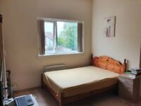To Let Studio Apartment - Bills Included
