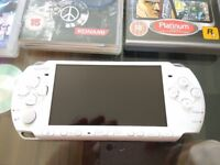 Sony PSP 3000 Pearl White Handheld System Bundle Console + 7 games + cloth case