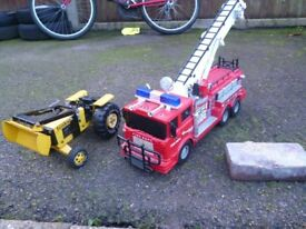 TONKA TOYS TOY FIRE ENGINE AND TRACTOR
