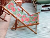 VINTAGE CHILDREN'S FOLDING BEACH STYLE WOODEN DECK CHAIR GARDEN CAMPING UPCYCLE